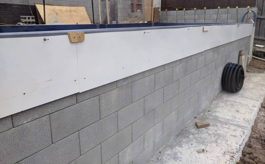 Completed lower wall formwork
